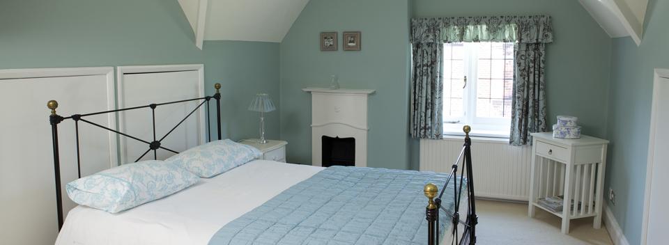 Blue_bedroom.jpg